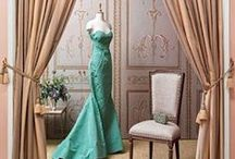 gowns (vestidos formales) / So many glamorous dresses, so little time! Couture and ready to wear gowns. Elie Saab, Zac Posen, Zuhair Murad, Temperly London, Burberry, Chanel, Tony Ward, Carolina Herrera, Valentino, Abed Mahfouz, Naeem Khan, Reem Acra, Michael Kors, Jason Wu, Alexander McQueen, Christian Dior and many more...  #glamour #gowns #eveningwear / by A Estrella