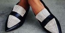 CLÉO LENDOYE/ Sapatos femininos / Mulheres são centopéias...maravilhosas centopéias!!!!