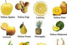 Frutas y verduras de color amarillo y/o naranja / Orange and yellow fruits and vegetables / Alimenta tu bienestar con frutas y verduras. Contienen beta-caroteno, zeaxantina, flavonoides, licopeno, potasio y vitamina C. Estos nutrientes reducen degeneración macular relacionada con la edad así como el riesgo de cáncer de próstata, el colesterol LDL y la presión arterial; promueven la formación de colágeno y la salud de las articulaciones; luchar contra los radicales libres, fomentan el equilibrio alcalino, y junto con magnesio y calcio contribuyen a la formación de huesos sanos.