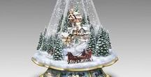 Christmas Tree Music Box / A Christmas tree music box is the perfect decoration to evoke that holiday spirit. The gorgeously crafted tree is beautiful to look at and the traditional Christmas tune gets everyone in a festive mood.