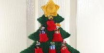 Christmas Tree Advent Calendar / Christmas tree advent calendars are perfect for the office. They help evoke the holiday spirit and provide a fun way to count down the days until Christmas.