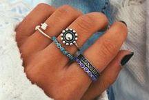 • Acessórios / Relógios, pulseiras, óculos de sol , cordões , brincos ,anéis e etc <3 <3 <3