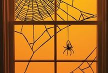Spooktacular Inspiration / Spooky inspiration for Halloween windows and doors