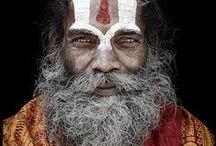 S A D H U S / sadhu, sadhus,the incredible faces of Nepal & India