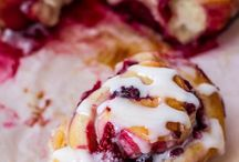 Food & Dessert Ideas / by Laura Gibbons