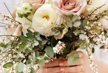 BOUQUETS | NEUTRAL / creamy, nude, pale blush and muted tones mixed with greens, grays and other earth neutral tones