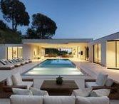 Outside/Pool