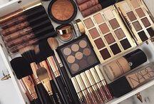 Makeup x / Wake up and make-up!