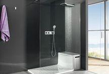 Cabine de douche / Les cabines de douche proposées par les installateurs AuFilduBain conviennent aux petits et aux grands espaces de bain. Dotez votre salle de bain d'une douche adaptée et profitez de ses bienfaits. Choisissez la forme et le caractère de votre cabine de douche en fonction du décor et de l'ambiance de votre salle de bain.