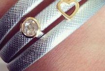 FACEBOOK ACTIE / LIKE & WIN dit KARMA SIERAAD bij 58500 leden en bij 59000 leden deze schitterende JOY DE LA LUZ armband verloten!! LIKE & WIN Joy de la Luz Karma armbanden en Mignon Juwelier & Stijl in Trend