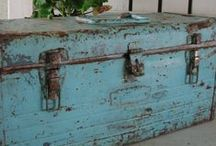 Create the Shabby Look / Milk Paint and Distressing
