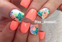 Nails!  / by Laura Gavin