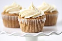Cupcakes! / Money can't buy happiness, but it can buy cupcakes. That's the same :)