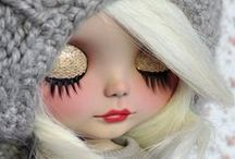 Pale blythe dolls / by Lettice