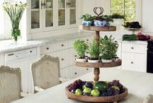 Farmhouse Style Kitchens / Country Kitchen | Country House Kitchen | Cottage Kitchen | Vintage Kitchen | Traditional Kitchens | Urban Kitchens
