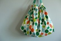 Bags / Clutches, drawstring, totes in every shape and colour - tutorials and fabric combination ideas / by quilary