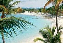 """TRAUMSTRÄNDE   weltweit / In diesem Board geht es um die schönsten Inseln, weißen Strand & Meer. Traumurlaub fern jeder Hektik.   """"Was kümmert mich der Schiffbruch der Welt, ich weiß von nichts als meiner seligen Insel."""" Friedrich Hölderlin"""