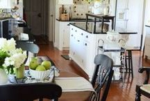 Traditional Kitchens / Wonderfully designed traditional kitchens.