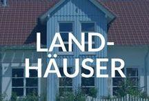 Häuser im Landhausstil - Bauernhaus, Landhaus, Cottage / Landhäuser sind traditionelle, geräumige Wohnhäuser mit Charme und Gemütlichkeit. Geschichte und Atmosphäre verbindet sich mit modernen Energiestandards und Komfort.   ➔ Landhäuser auf Fertighaus.de