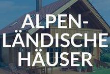 Alpenländische Häuser - Blockhäuser und Chalets Alpin Stil / Wohnen im eigenen Haus, das mit seinem alpenländischen Charakter wohlige Behaglichkeit vermittelt, lässt sich unkompliziert mit einem Fertighaus erfüllen. Der unverwechselbare Stil ist zudem funktionell, entstanden aus den Alltagsbedürfnissen in einer schönen, aber klimatisch rauen Gegend.