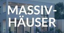 Massivhäuser / Die massive Bauweise ist sehr beliebt, auch wenn Fertighäuser immer begehrter werden. Robust, langlebig und stabil: Das Massivhaus (auch Betonhaus genannt) ist ein Haus, das lange überdauert und viele weitere Vorteile mitbringt.  Wähle zwischen verschiedenen Hausstilen dein Traumhaus und vergleiche Objekte von unterschiedlichen Massivhausanbietern auf Fertighaus.de
