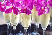 Wedding Theme: Hawaiian Luau / Dreaming of a tropical getaway with this Hawaiian wedding.