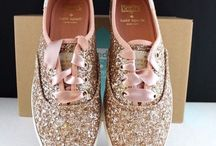 Wedding Theme: Gold Sparkle / Add a little (or a lot) gold to your big day with this chic theme.