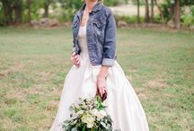 Wedding Theme: Barn Yard Party / A barn can be the perfect backdrop to your big day. Here are a few pieces of proof of that.