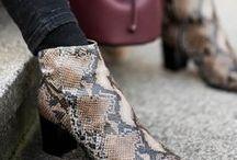 TREND - Animal inspired / De dierenprint zet weer langzaam voet in fashionworld. Kies dit najaar voor een zijdezachte pump met panterprint, stijlvolle enkellaarsjes of ga voor een uitdagende snakeskin tas.