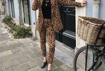 we LOAFE it / Loafers zijn dé schoenen die iedere vrouw in haar collectie moet hebben. Deze iconische instappers zijn perfect wanneer je niet altijd op hoge hakken wil lopen, maar er toch stijlvol uit wil zien.