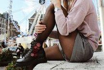 Lace up boots / Veterschoenen voor dames vind je in diverse modellen zoals brogues en plateau veterschoenen. De schoenen kunnen zowel zakelijk als casual gedragen worden. Dit seizoen: klassieke modellen, maar dan in een nieuw modern jasje!