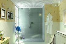 Skin Panels / Los nuevos paneles decorativos de Fiora, creados para vestir las paredes del baño con una solución perfecta, sin obras: se colocan sobre la pared con cola adhesiva (a juego con el color del panel) y se encajan entre ellos con un solo clic.