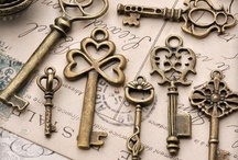 Owls Keys and Fleur De Lis / I love these three things - on their own or together :)