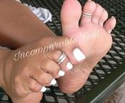 Barefoot / Pretty 3D feet, barefeet and soles on display.