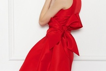 Fashion: Dresses / by Jessica Christine