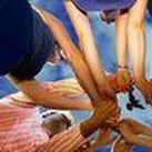 Freiwilliges Soziales Jahr - FSJ mit EOS / Du möchtest Dich sozial engagieren, vielfältige Menschen kennen lernen und erste Berufserfahrungen sammeln? Dann ist ein #FSJ genau das Richtige für Dich!  Ob Flüchtlingshilfe, in der Altenpflege, in Kindergärten oder Krankenhäusern, es gibt sehr viele mögliche Einsatzstellen. Ob in deiner Heimat oder im Ausland.   EOS ist dabei dein FSJ-Träger und steht dir stets bei allem was Du wissen willst beiseite. So kannst Du dein Jahr in vollen Zügen genießen!