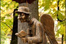 Необычные памятники, скульптуры, статуи