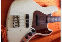 Fender Custom Shop Jazz Basses - Relic / Reliced Fender Jazz Basses from their Custom Shop