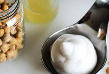 AQUAFABA | VEGANER EI-ERSATZ / Sammlung von Aquafaba Rezeptideen. Aquafabe ist eine veganer (pflanzlicher) Eischnee auf der Basis von Bohnenwasser oder Kichererbsenwasser. Eine tolle Ei-Alternative!
