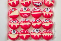Treats / by Kirsty Colvin