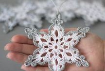 Christmas Crochet! / Christmas is almost synonym for crochet! Here I collect beautiful and inspiring crochet works for Xmas.