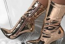 Tres-Chic Modern Fashion