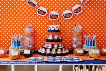Party food and decor / by Ghislaine Schwartz