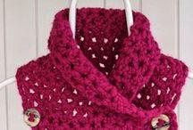 Crocheting / by Manuela Mora
