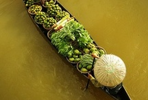 Spiritual Bangkok / Vibrant floating markets, mystical Buddhist temples and spicy streetside cuisine