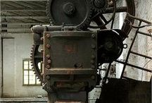 Machine / machine, machinery, industrial, factory, industrious, cogs, oil, grease, large scale, grime, dirt