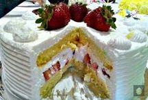 Cakes / Beautiful and yummy cakes / by Donna Vandagriff