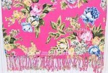 Madeliefke sjaals & hamamdoeken Ibiza / Naast de handgemaakte producten heeft Madeliefke ook sjaals en hamamdoeken in haar collectie.