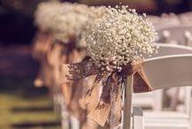 Свадьба в Стиле Рустик (Rustic) / Утомила помпезность, хочется в день свадьбы чего-то неординарного, простого и уютного? Торжество в стиле «рустик» отвечает всем этим потребностям. На этой доске собрано все, что нужно для его организации. Вы найдете здесь примеры цветовой гаммы, элементы оформлению свадьбы, ключи к созданию образов жениха и невесты также идеи фотозоны.