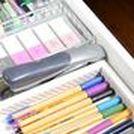 Organisieren Schublade / Tipps & Tricks zum Organisieren deiner Büro-Schublade! Hier pinnt Biggi vom kreativen Bücherblog www.melusineswelt.de #Büro #Organisieren #Schublade #Homeoffice #schreibtisch